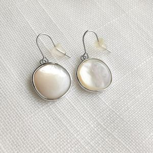 NWT Silver Mother of Pearl earrings